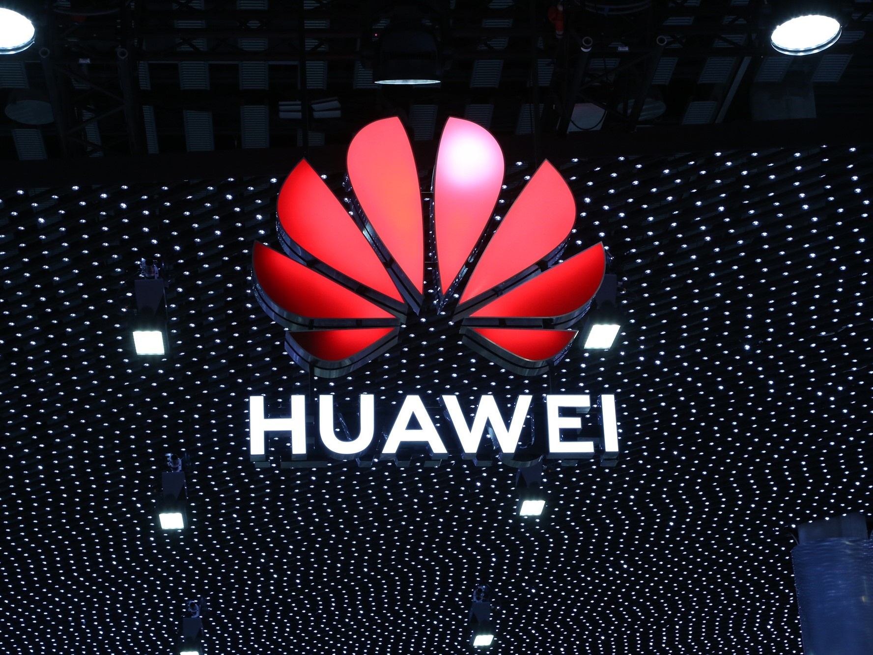 Huawei Fights Back as Global Smart Phone Market Grows Again