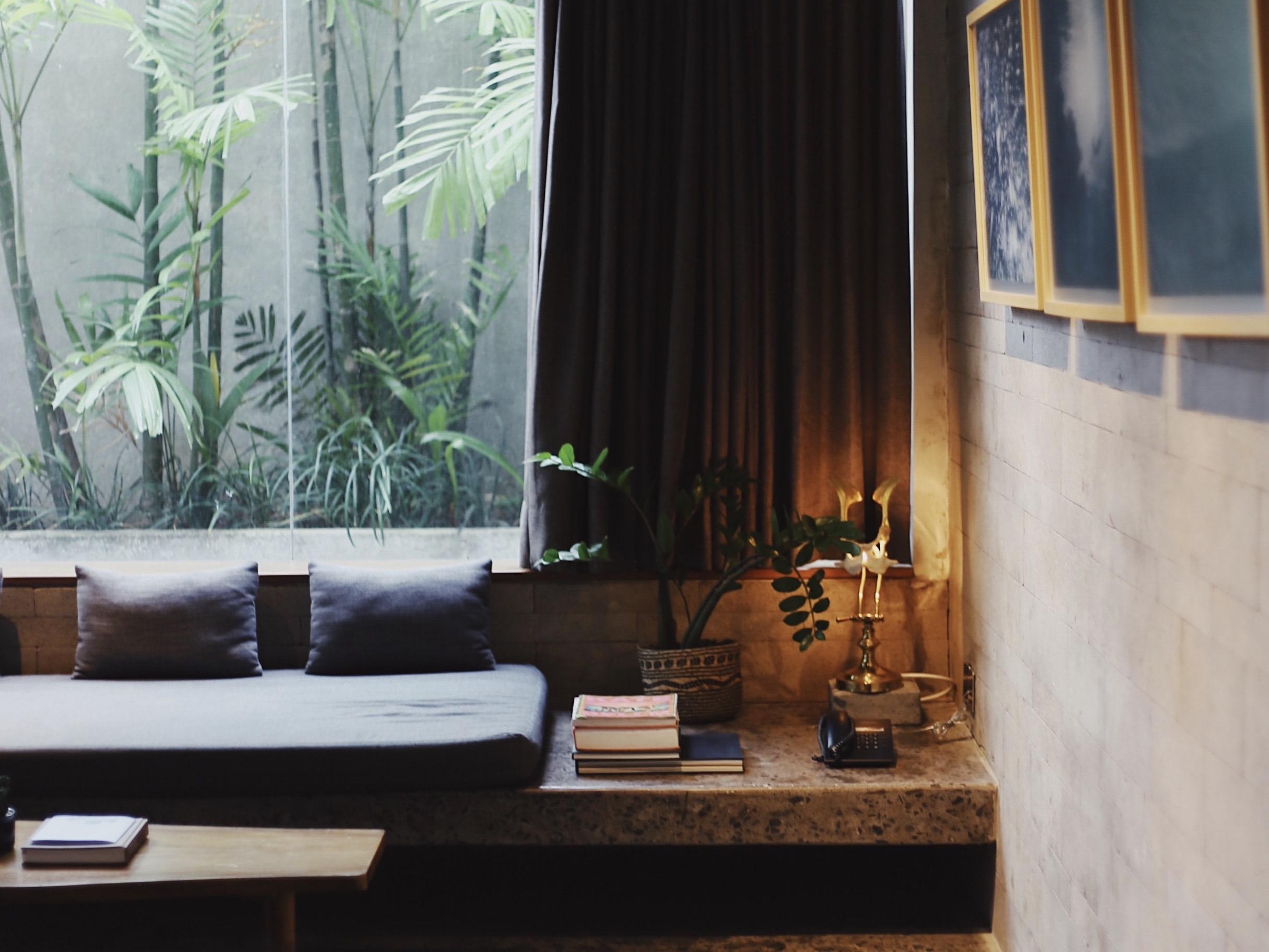 Hotel room. Image Credit: Taylor Simpson/Unsplash