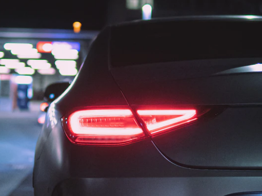 Car and gas station. Image Credit:   Sag Llija / Unsplash