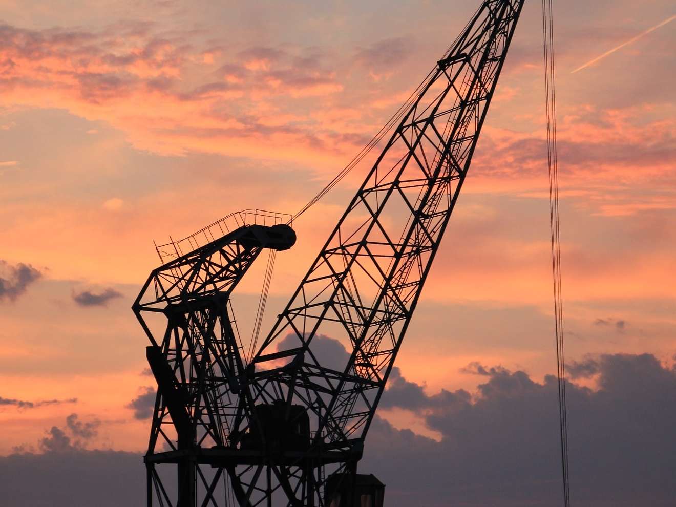 A harbour crane. Image Credit:   S. Hermann & F. Richter  / Unsplash